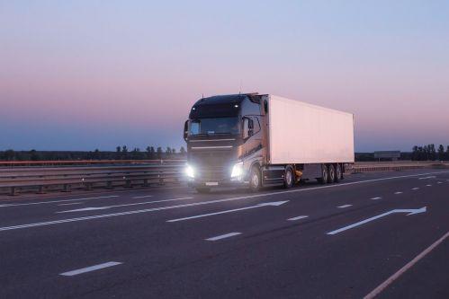 camion sur route