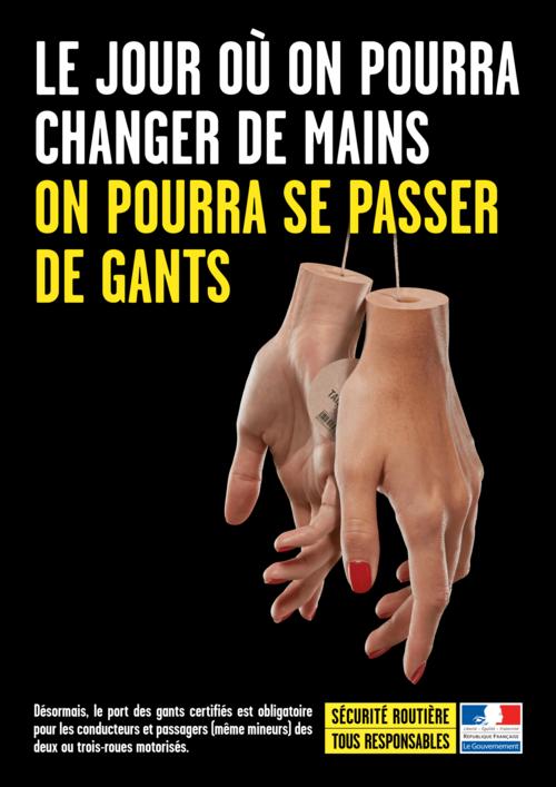 Campagne de la sécurité routière sur les gants de moto